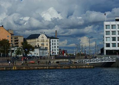 Katajanokan kanava, Helsingissä. Kuva on otettu Suomenlinnan lautalta.