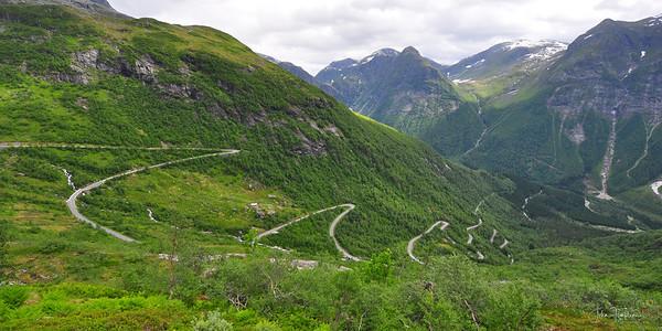 Gaularfjellet National Tourist Route rv13 runs between Balestrand and Moskog for 84 kilometres