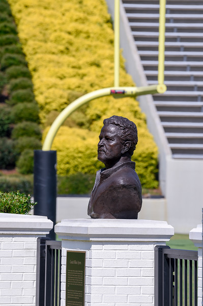 Mike Ayers Bronze Statue 07-29-19-2