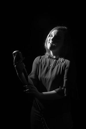 JIM VAIKNORAS/Staff photo Singer Hannah Rowe