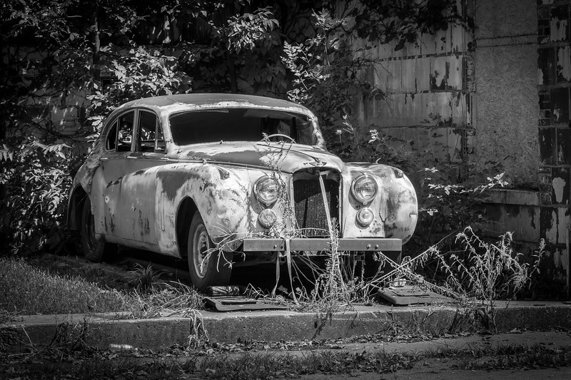 Couldn't resist  making a black and white of this old Jaguar at Newark