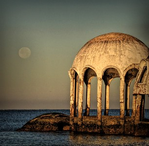 Moonset at Cape Romano houses