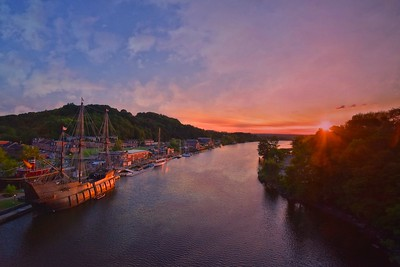 El Galeon  at the Hudson River Maritime