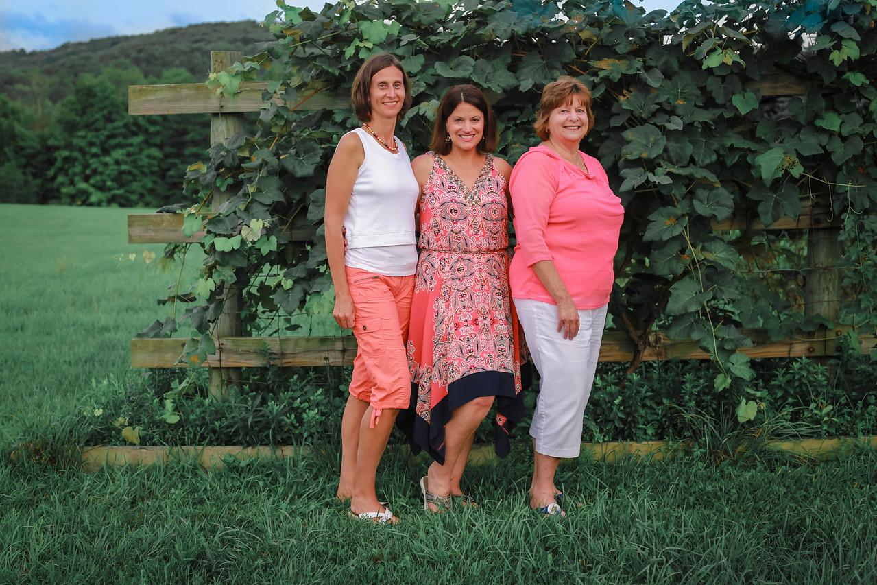 3 Lovely Ladies