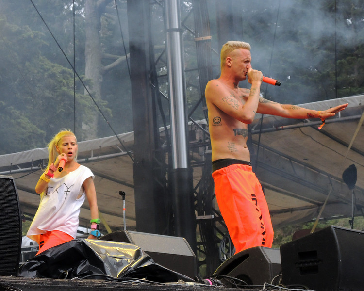SAN FRANCISCO, CA, AUGUST 10: Die Antwoord perfoms at the Outside Lands Festival at Golden Gate Park in San Francisco, CA on August 10, 2012. (L-R): Yo-Landi Vi$$er, Ninja. (Photo by Clayton Call/Redferns)