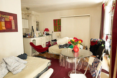With sofa bed open and hidden open.. pretty much not much room left lol... but that's Paris