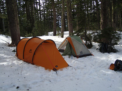 Snow camping on Bandera Mountain