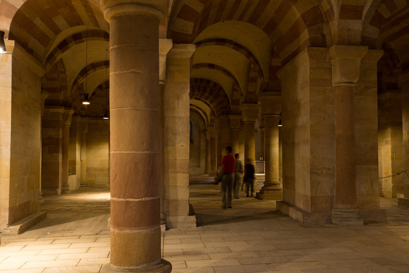 The crypt below the altar of the Dom in Speyer.