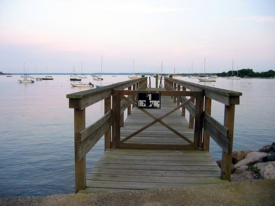 No tresspassing dock