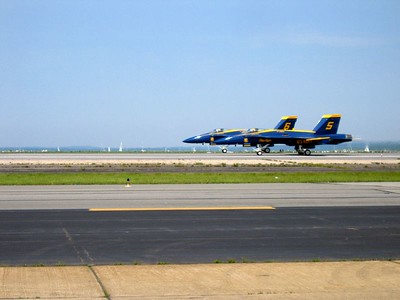 Blue angels 5 and 6 takeoff
