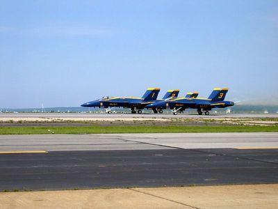 Blue angels 1,2,3,4 takeoff