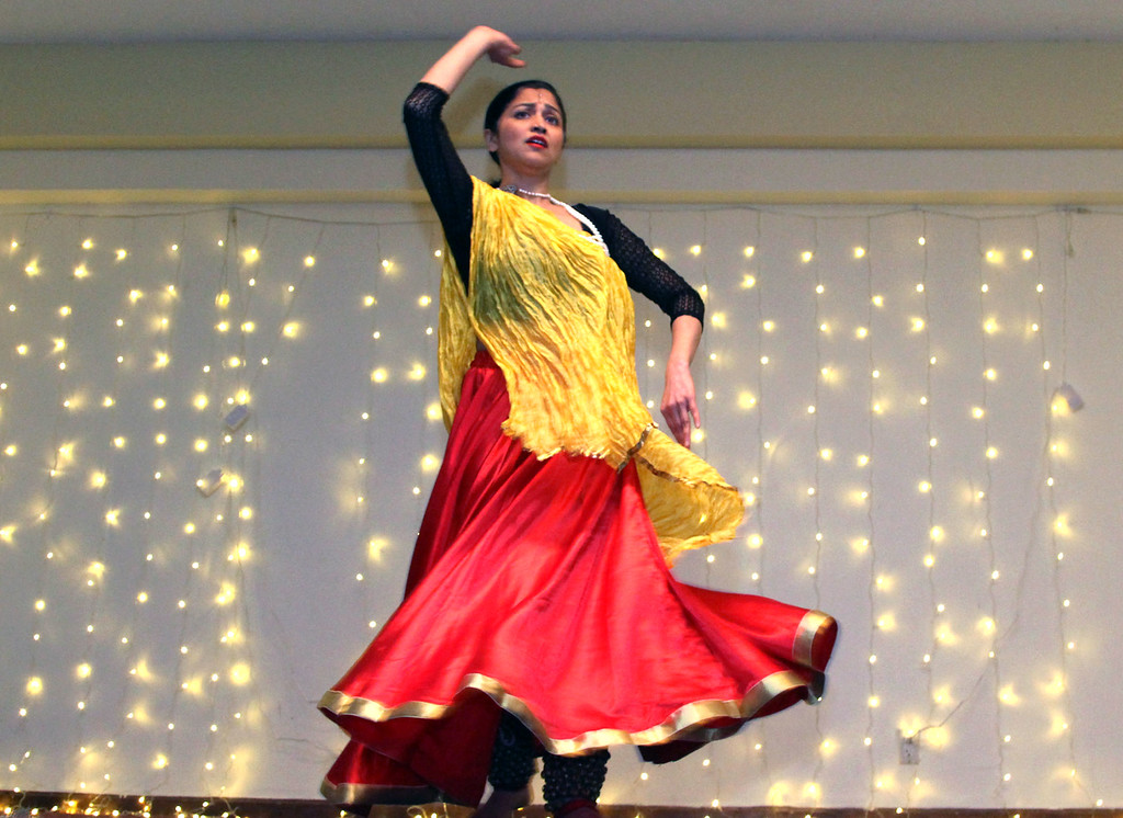 . Indian Dancer, Himanshi Patel, at the Enterprise Bank\'s 3nd Annual International Holiday Celebration  at Holy Ghost Society in Lowell. SUN/ David H. Brow