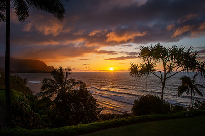 Richards_Sunset off the north end of Kauai in Princeville