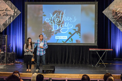 Saddleback Irvine Mother's Day Sunday - photo by Allen Siu