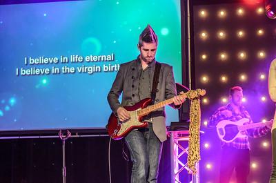 Saddleback Irvine South Sunday Worship - photo by Allen Siu 2015-04-12