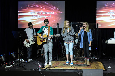 Saddleback Irvine South Sunday Worship -  photo by Allen Siu 2015-05-31