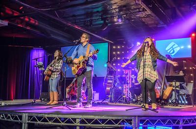 Saddleback Irvine South Sunday Worship - photo by Allen Siu 2015-06-07