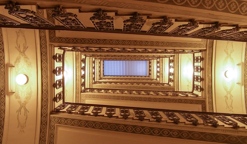 Grand Hotel Excelsior Vittoria - Fun Stairwell
