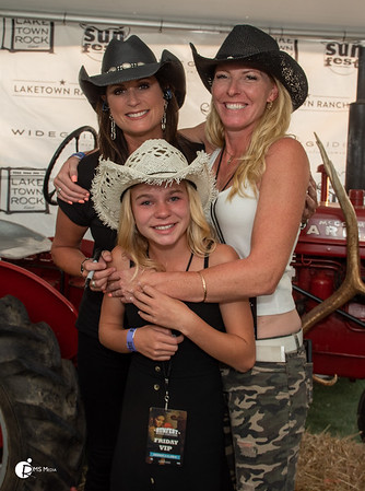Meet & Greet with Terri Clark   Sunfest Country Music Festival   Lake Cowichan BC RMS Media by Rob Porter