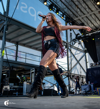 Nicole Sumerlyn | Sunfest Country Music Festival | Lake Cowichan BC