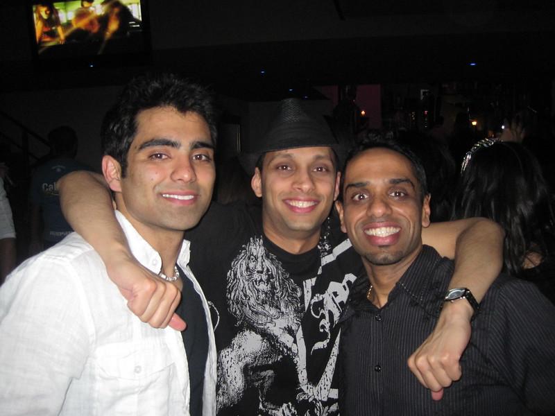 Sunil's Bachelor Party - 044