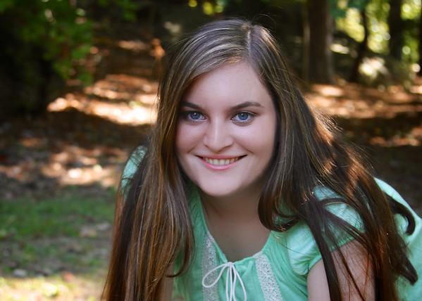 Cassie Edwards Senior Pictures