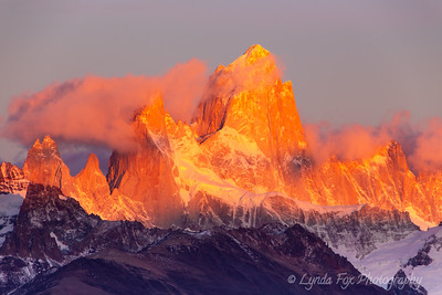 Alpen Glow Over Mt. Fitroy