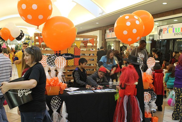 Sunrise Mall - Trick or Treat 2016