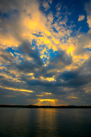 Gods Rays on Lake Wylie