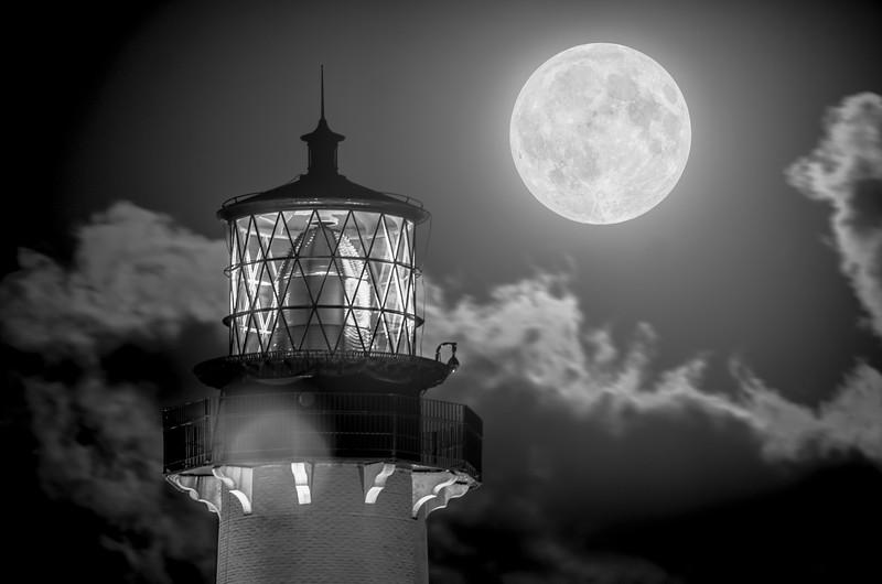 Full Moon Black and White