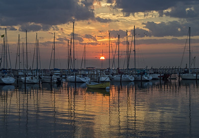 Lake Michigan Sunrise, South Shore Park. Bayview, Milwaukee Wisconsin.