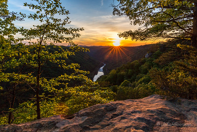 New River Gorge photo workshop with Randy Sanger, May 14-17, took in several waterfalls & tried for sunrises & sunsets, but cloud cover interfered; based at Holiday Lodge, Oak Hill, WV; night before workshop, went with Randy to Beautry Mountain for sunser - not great, but best of week; taken from Beauty Mountain Trail off rt 85/5 (Beauty Mountain Rd), just S of rt 85/8 (Buckhorn Rd)