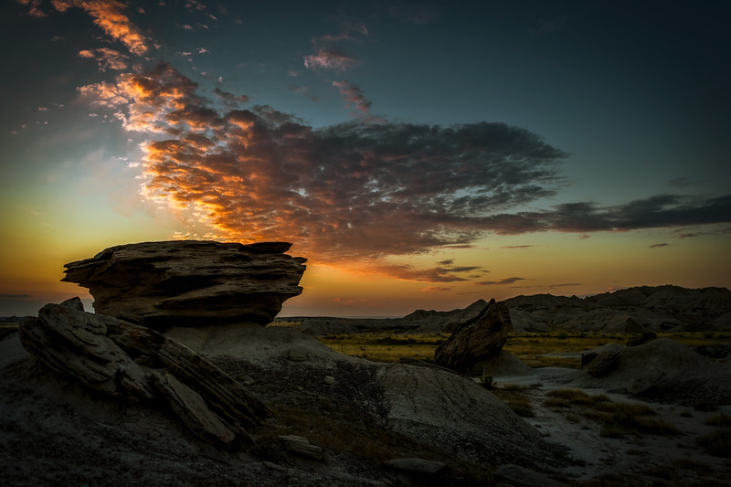 Sunrise at Toadstool Geologic Park in northwestern Nebraska