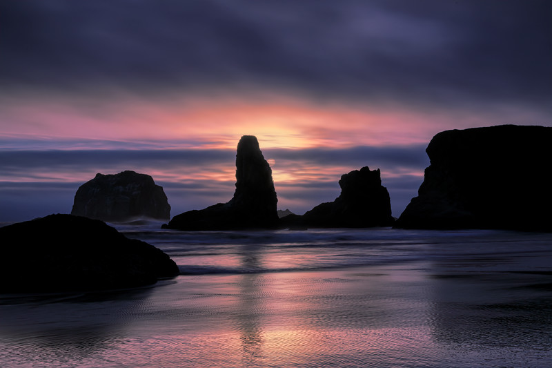 Sunset over sea stacks on Bandon Beach, Oregon