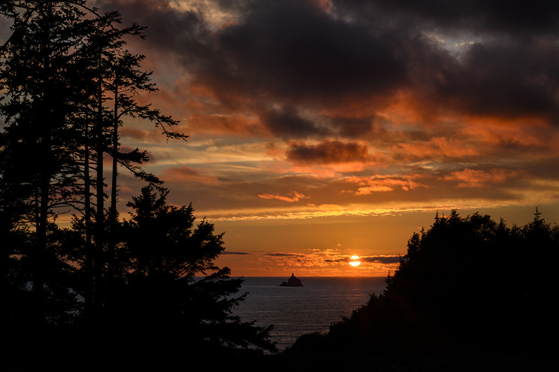 Sunset over Tillamook Rock Lighthouse as seen from Ecola State Park, Cannon Beach, Oregon