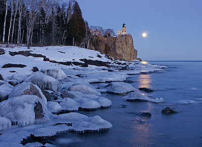 Split Rock Moonrise 32