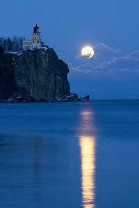 Split Rock Moonrise 25