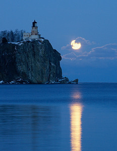 Split Rock Moonrise 24