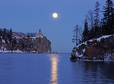 Split Rock Moonrise 13