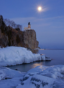 Split Rock Moonrise 30