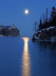Split Rock Moonrise 14