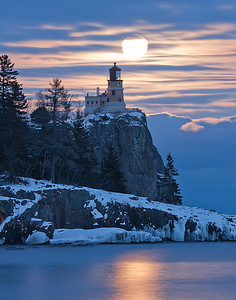 Split Rock Moonrise 4