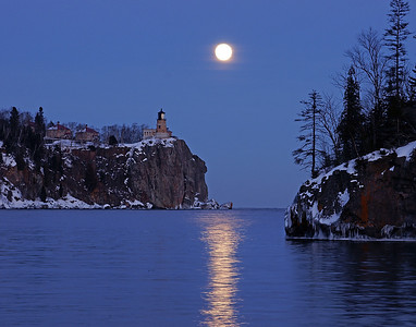 Split Rock Moonrise 20