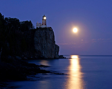 Split Rock Moonrise 38