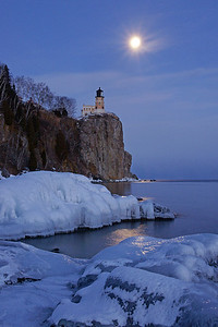 Split Rock Moonrise 28