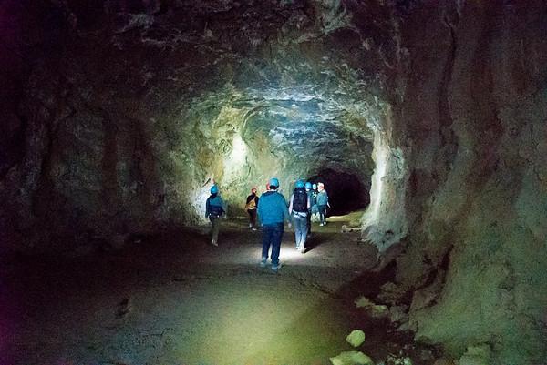 Entering Skeleton Cave