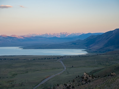 Sunset. Mono Lake & US 395. Mono Lake Vista Point. Lee Vining, CA, USA