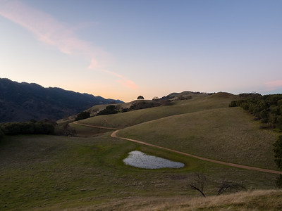 Sunset. Olive Grove Trail & Thermalito Trail. Near Olive Grove Trail. Pleasanton Ridge Regional Park - Sunol, CA, USA