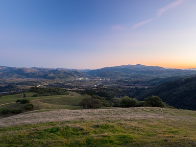 Sunset. Sunol & Interstate 680. Near Olive Grove Trail. Pleasanton Ridge Regional Park - Sunol, CA, USA