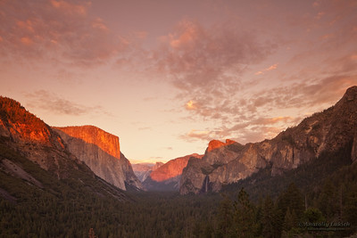 Tunnel View at sunset, Yosemite National Park, California, U.S.A.